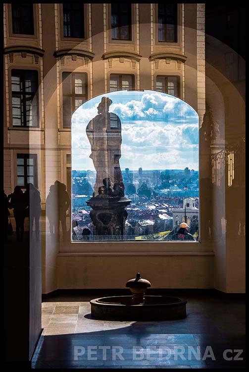 Socha sv. Filipa, Pražský hrad, 2015, Velvyslanectví USA, Praha