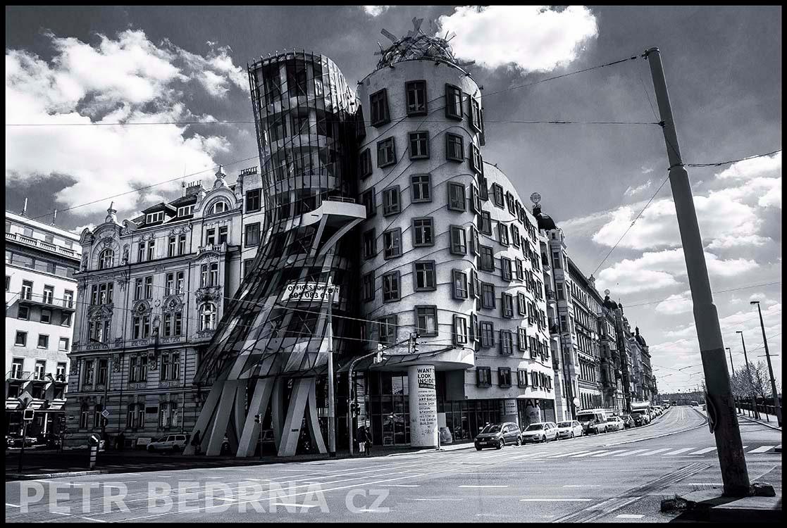 Tančící dům, 2014, Jiráskovo náměstí, Praha